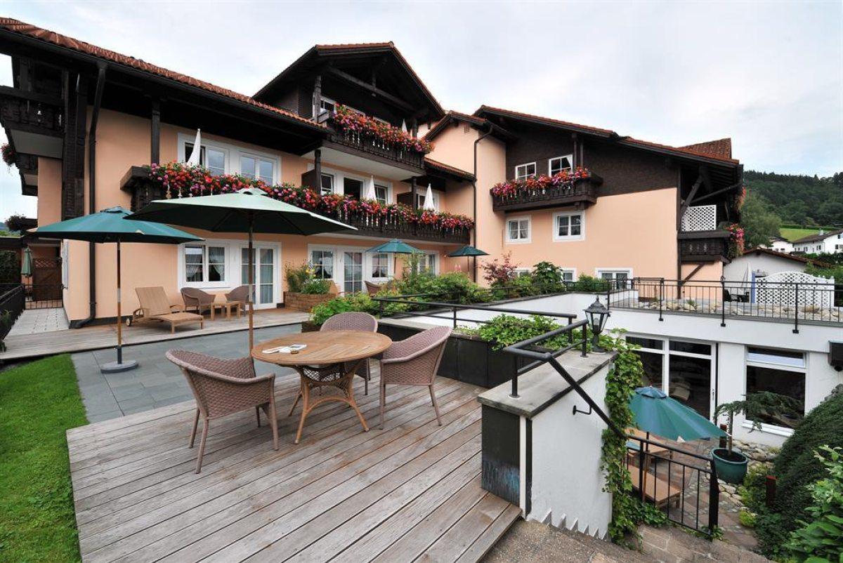 Ferienwohnungen hotels im allg u unterk nfte oberstaufen for Oberstaufen hotel