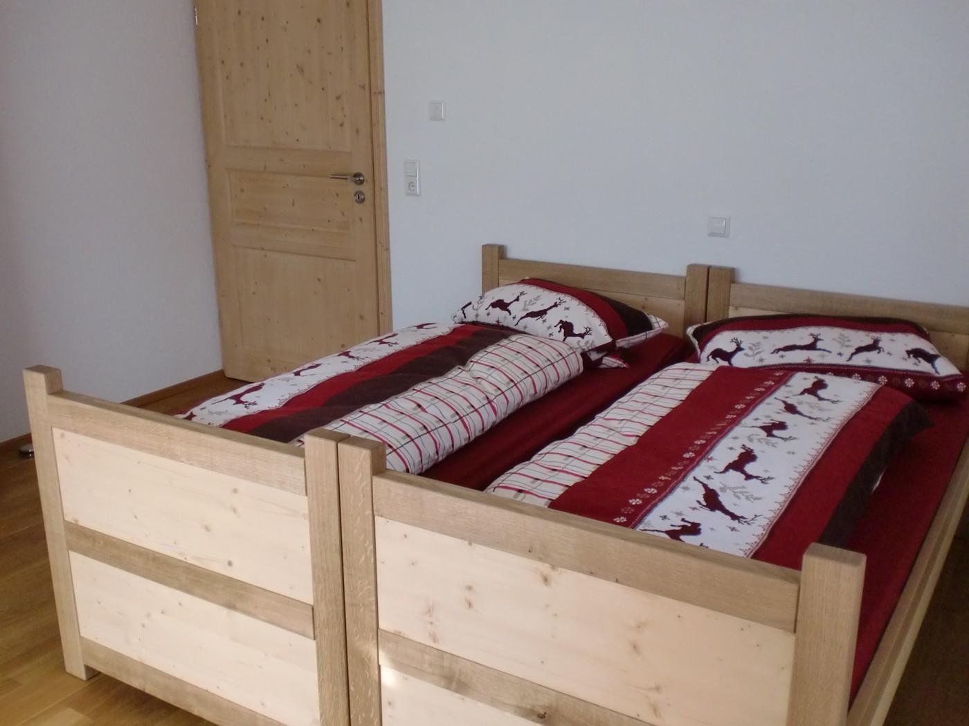 echtholz doppelbett vom m belschreiner. Black Bedroom Furniture Sets. Home Design Ideas