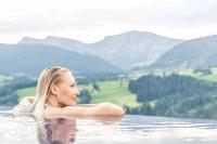 Panoramaschwimmen im Hotel Bergkristall