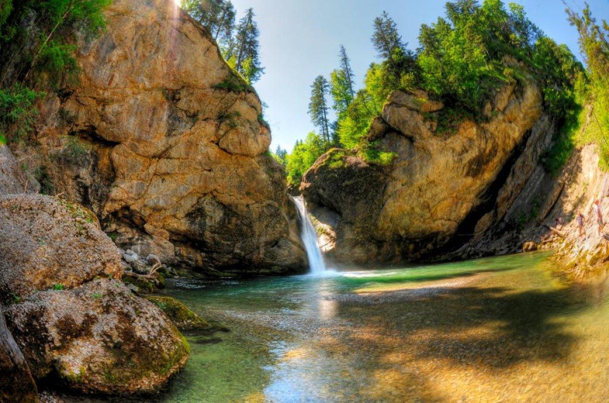 Die Buchenegger Wasserfälle im Naturpark Nagelfluhkette sind ein beliebtes Wanderziel.