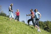 Gruppenspaß beim Nordic Walking