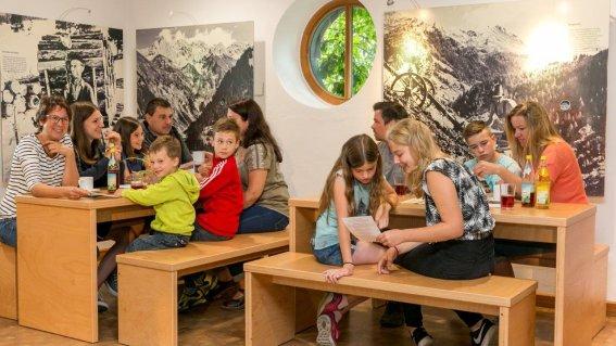 Bergbauern Cafeteria040