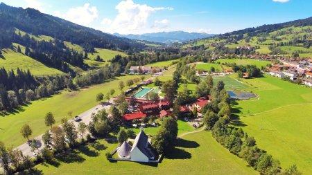 Luftbildaufnahme Hotel Wiesengrund Bad Hindelang