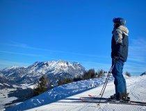 Ein traumhafter Wintertag mit Blick zu den Loferer Steinbergen