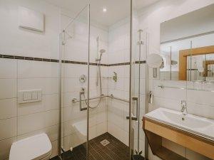 Bad im Doppelzimmer Silberdistel