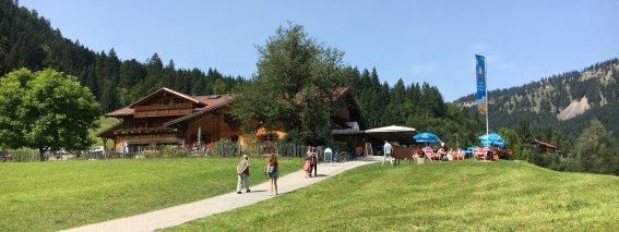 Auf dem Weg zur Alpe Dornach