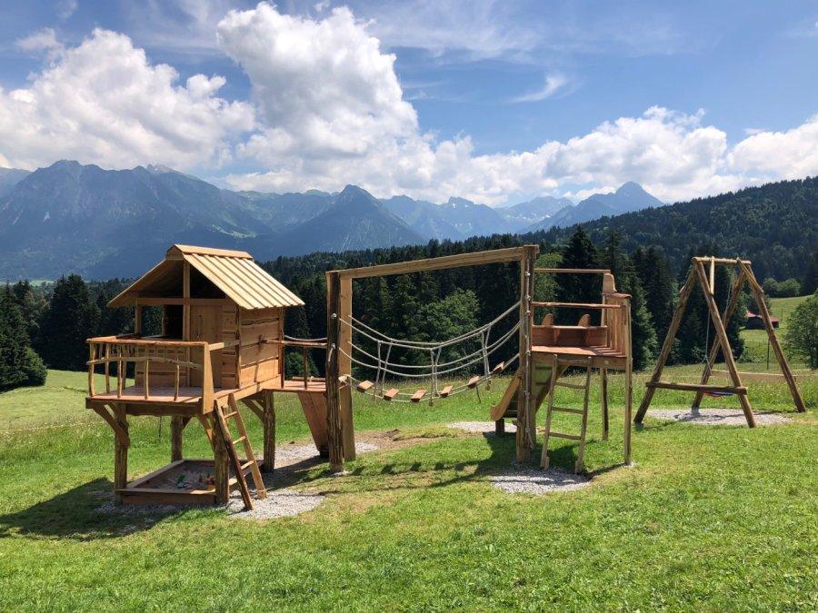 Unser neuer Spielplatz mit Bergpanorama