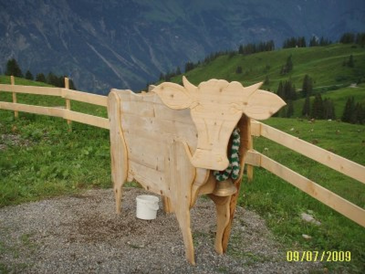 Holzkuh zum Melken üben