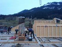 Arbeiten am offenen Dachstuhl