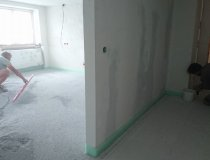 Einbau Bodenplatten im Erdgeschoss