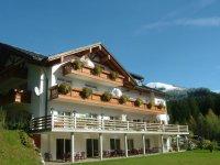 Alpenhof Reuterwanne Südansicht
