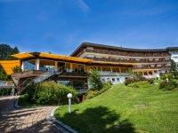 Alpenhotel Oberstdorf Außenansicht Sommer