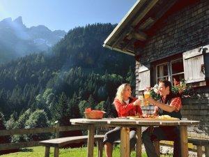 Brotzeit an der Buchrainer Alpe