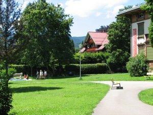 Fuggerpark mit Tretbecken