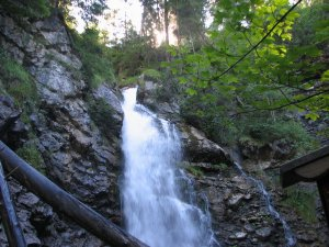 Wasserfall am Faltenbachtobel