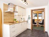ALPGLÜCK: Fewo 1 Wohnküche mit Ostbalkon