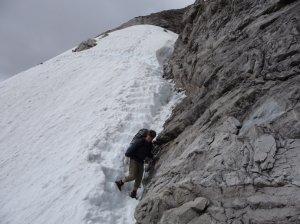 Altschneefeld im hochalpinen Gelände