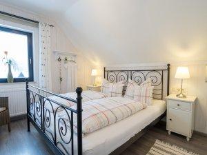 Villa Alpjuwel Schlafzimmer Enzian