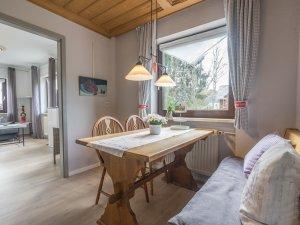 Villa Alpjuwel - Wohnung 6-Männertreu Esszimmer