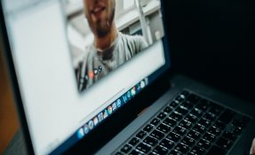 Video Chat pexels