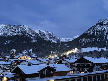 Abendstimmung und Skispringen