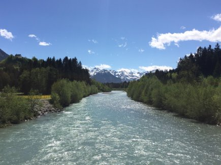 Die Iller vor den Oberstdorfer Bergen