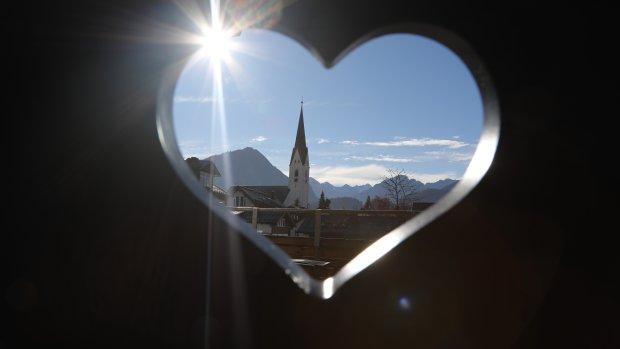 Herz auf Kirchturm
