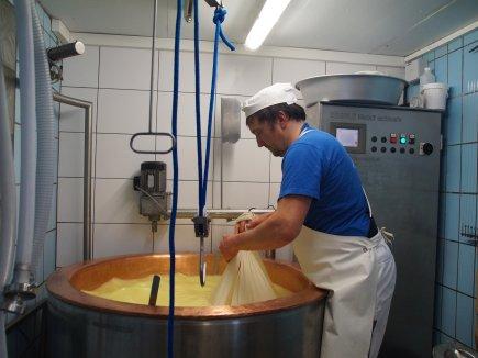 Ausheben mit dem Käsetuch