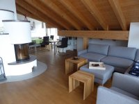 Neues bequemes Sofa