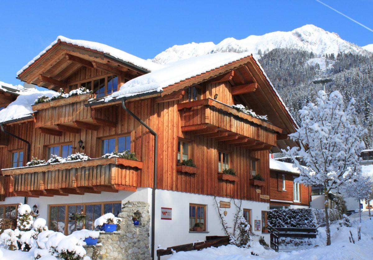 Haus an der Schanze im Wintermärchen