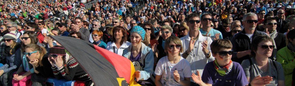 Zuschauer im Stadion Ofterschwang