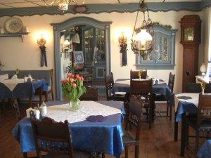 Frühstücksraum mit traditioneller friesischer Einrichtung