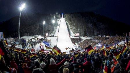 Volles Stadion bei der Skiflug-WM 2018