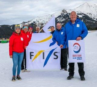 Fahnenübergabe im Rahmen der Schlussfeier in Seefeld 2019