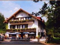 Bachtelhaus im Sommer