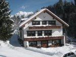 Bachtelhaus im Winter