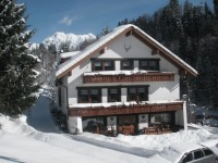 Bachtelhaus im Winter