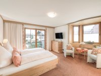 Schlafzimmer 3 mit Doppelbett 180x210 und Balkon