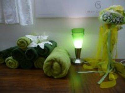 Kosmetik grüne Handtücher quer