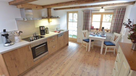 Große u. hochwertige Küche in Altholz-Optik