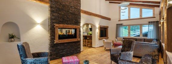 Der luxuriöse Wohnbereich im Bergchalet Baad