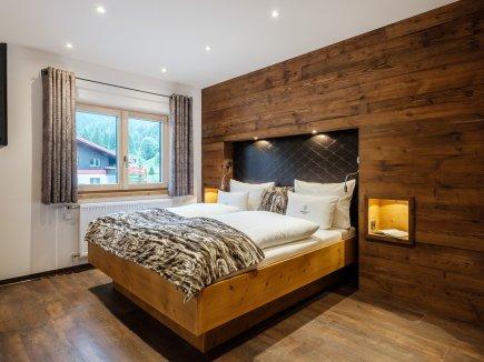 Schlafzimmer mit eigenem Badezimmer