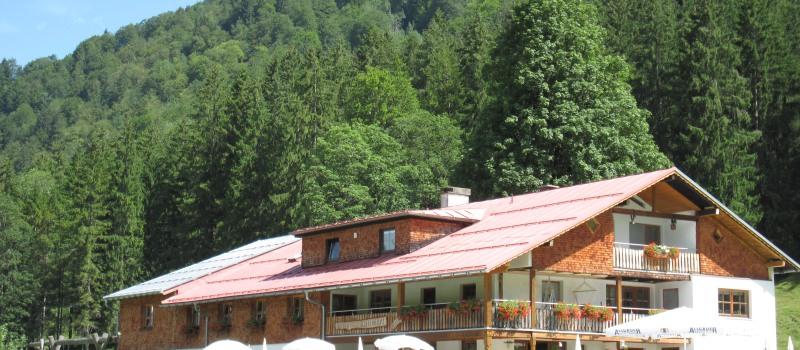 Unser Berggasthof im Sommer