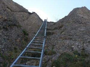 Leiter zum Gipfelkreuz vom Steineberg