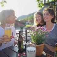 Wirtshaus und Biergarten im Bergsteiger Hotel Grüner Hut in Hinterstein