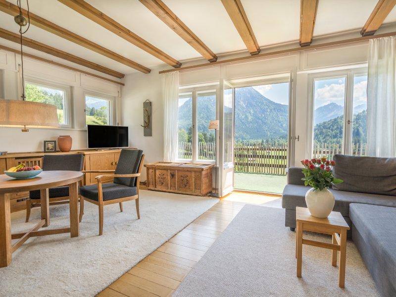 Wohnzimmer mit Terrassentür