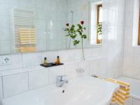 Badezimmer 225