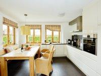 Offene Küche mit Essecke
