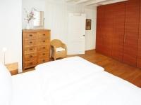 OG-Schlafzimmer 3 mit TV