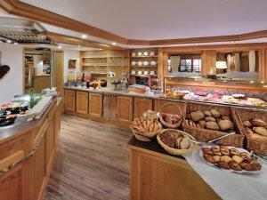 Frühstück im Berwanger Hof - 4 Sterne Hotel im Allgäu